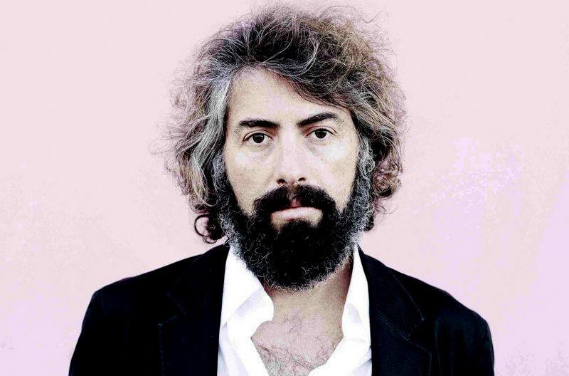Sr.-Chinarro-en-concierto-en-el-Teatro-Lara-de-Madrid