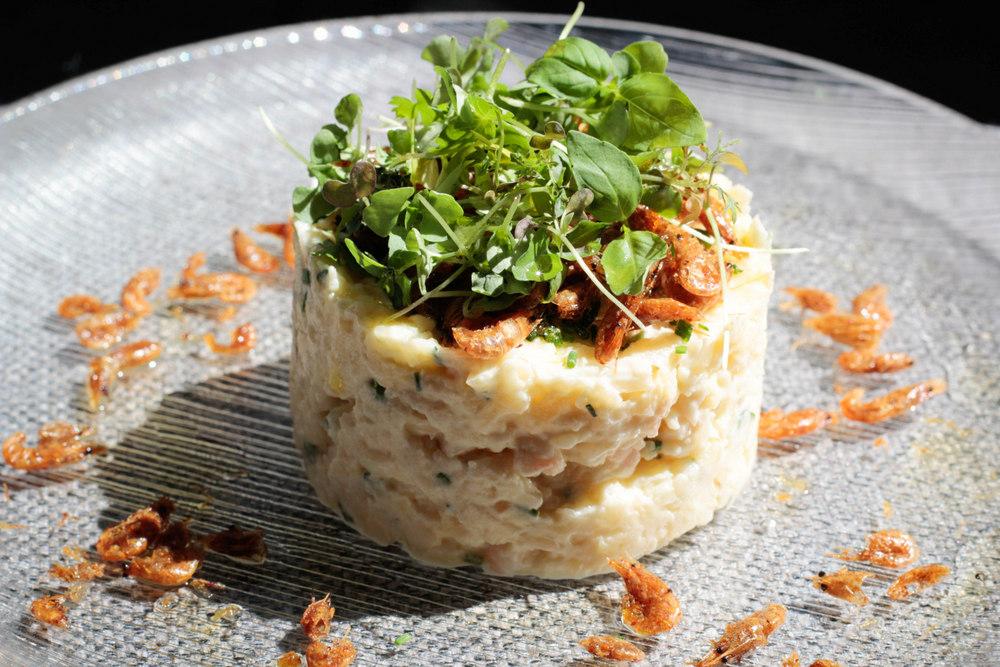 1-Ensaladilla de gambas con pipas de mar (camarones fritos) - La Malaje