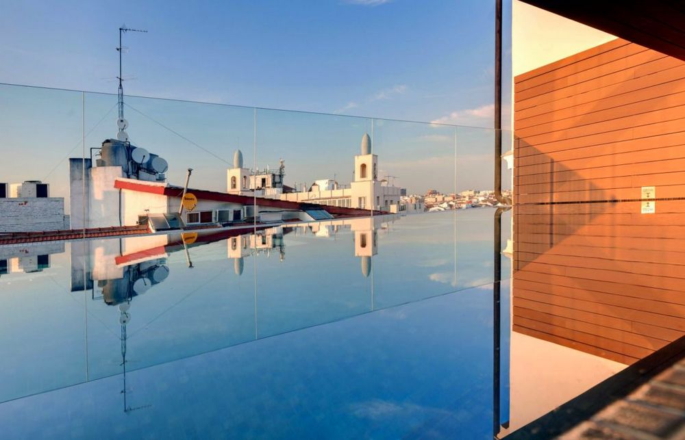 1-hotel-indigo-madrid-piscina