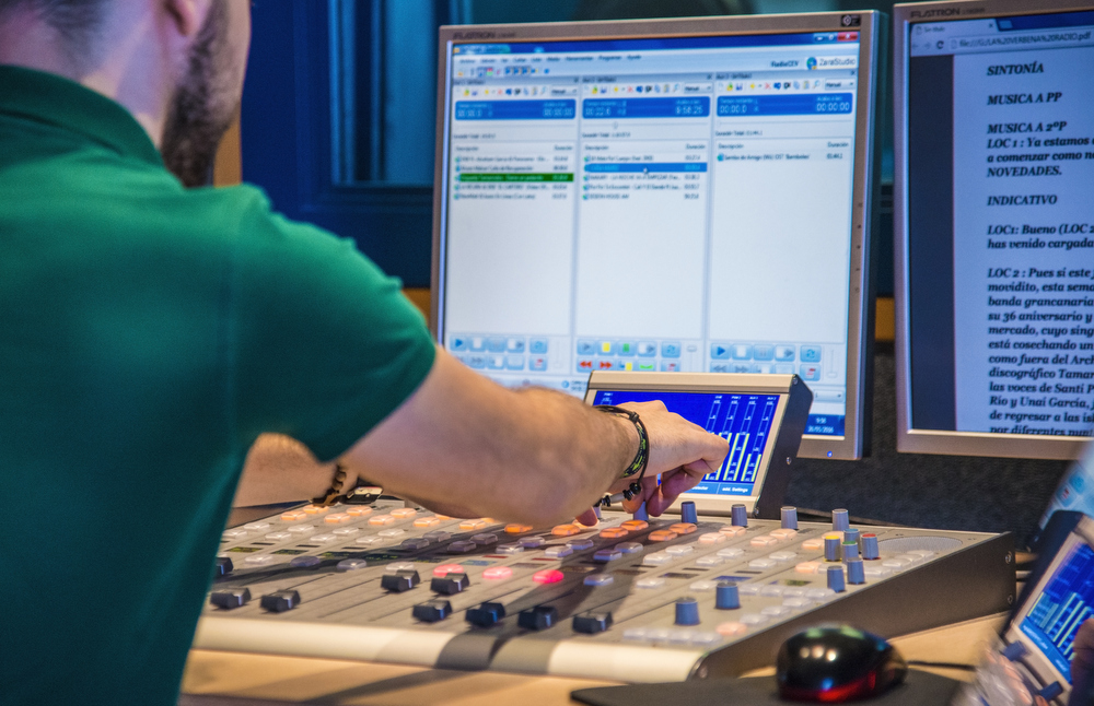 3-ESTUDIO DE RADIO