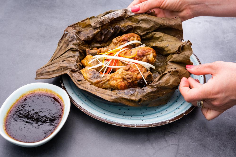 3-Papillote de pollo con salsa de soja - Shang Hai Station