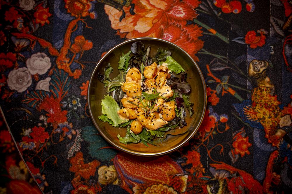 3-Lady MACAO Langostinos tigre en salsa kewpie con kimuchi 2